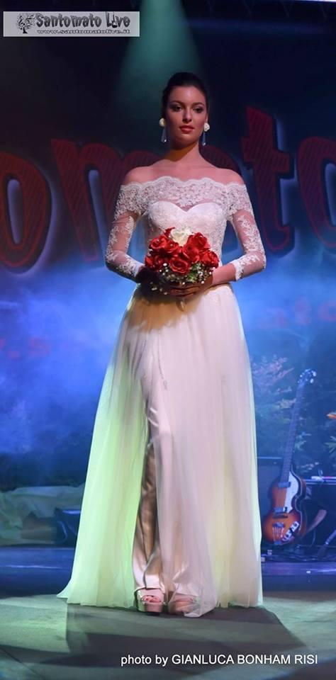 abiti da sposa 2017 tendenze maniche lunghe pizzo