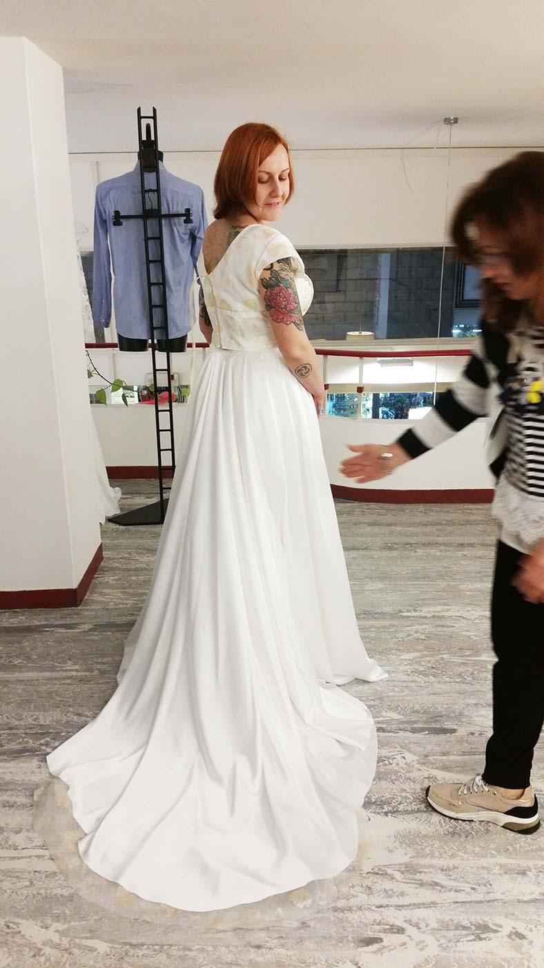 gonna con strascico abito da sposa due pezzi top crop