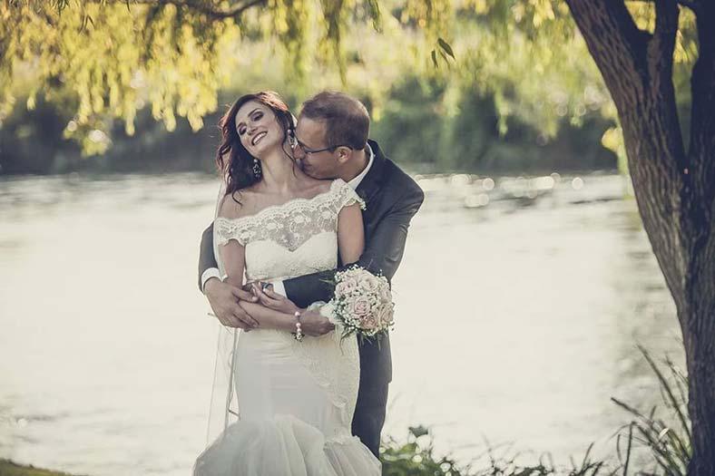 abito da sposa a sirena con pizzo