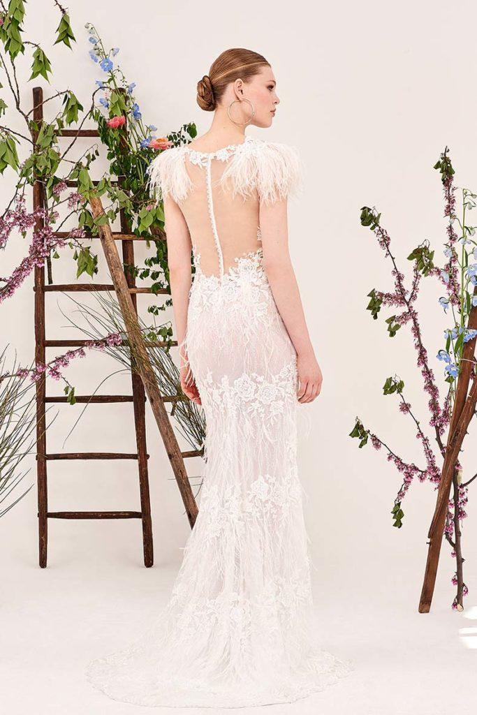 abiti da sposa con schiena velata effetto nudo