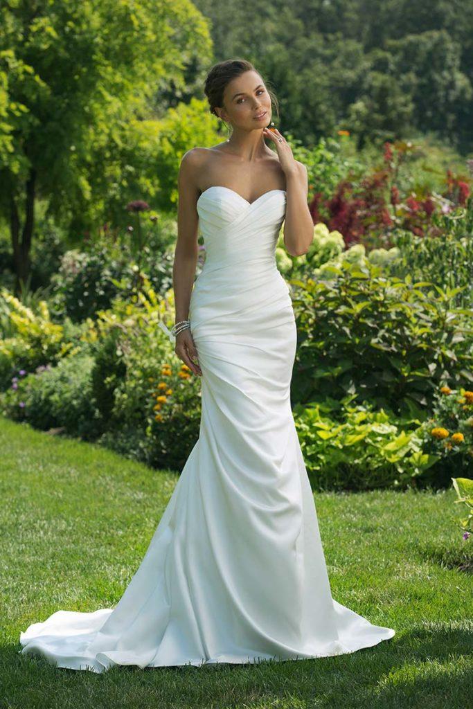 abito sposa in raso increspato