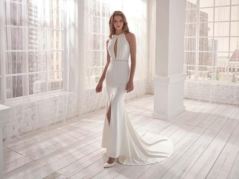 abito da sposa a sirena con spacco