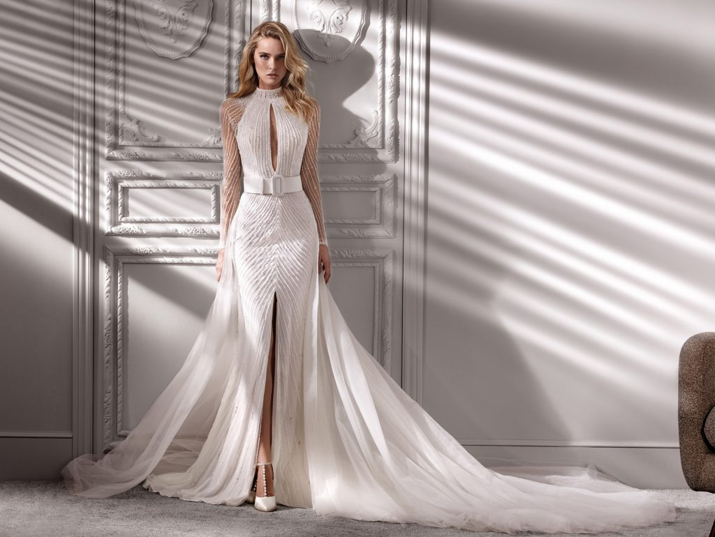 abito da sposa con collo alto