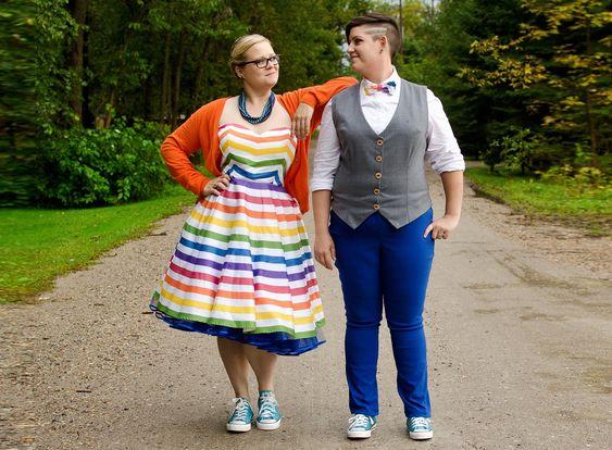 coppia gay matrimonio abiti arcobaleno